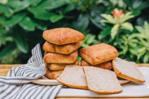 GluteNull Bakery Almond Fatty Buns